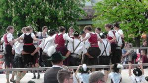 Fest zur Maibaumaufstellung in Bad Endorf